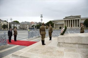 A magyar hősökre emlékezünk ma - A cikkhez tartozó kép