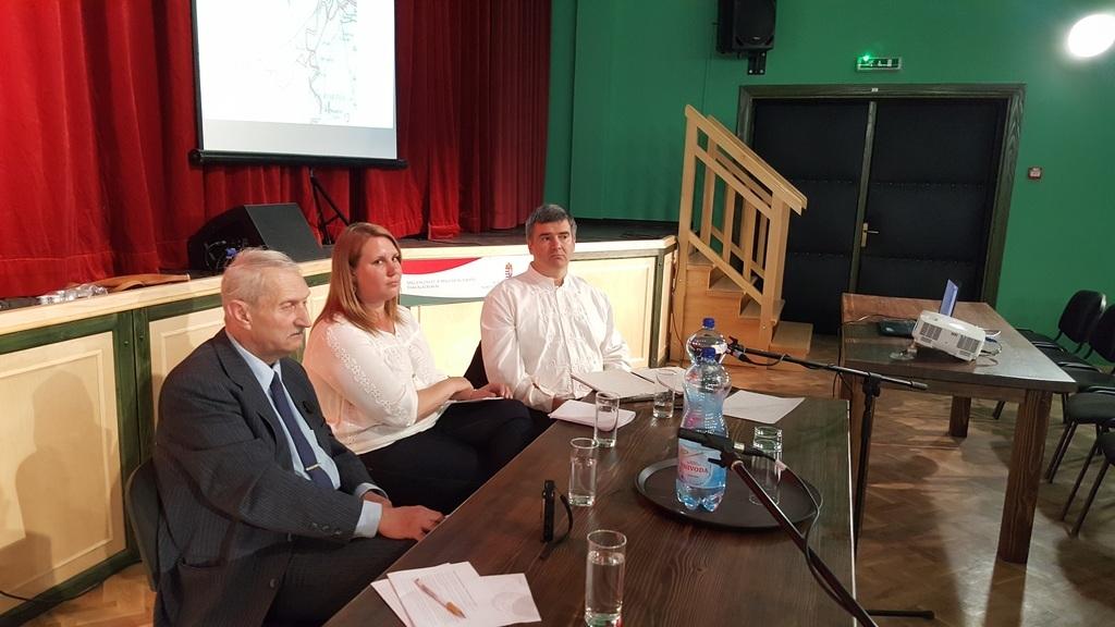 A tribün: Nagygyörgy Zoltán, Danyi Bernadett és Vass Zoltán