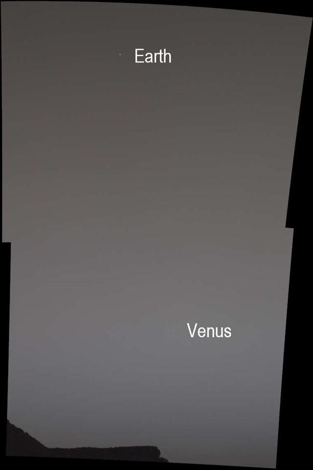 Fent a Föld, lent a Vénusz