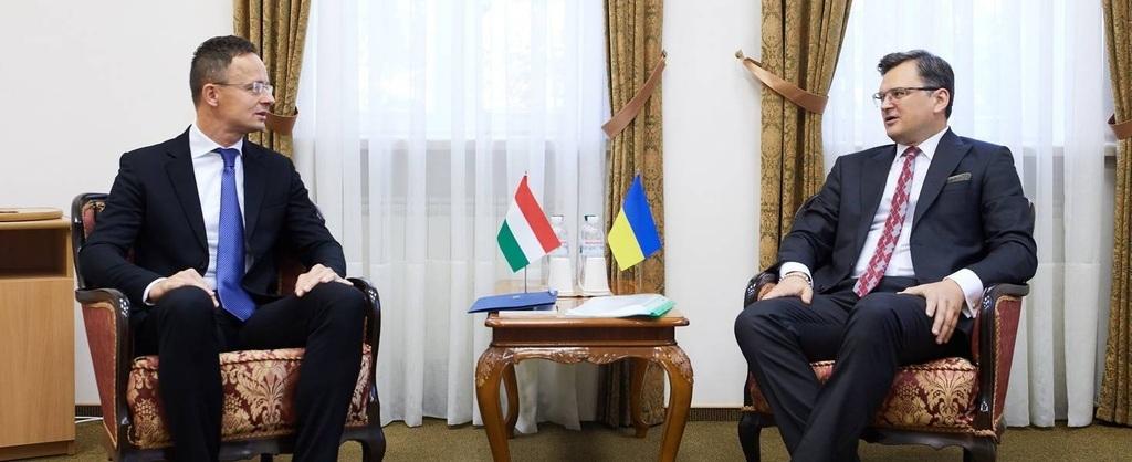 Szijjártó Péter magyar és Dmitro Kuleba ukrán külügyminiszter a találkozón