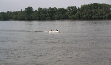 Ki kellett menteni egy lányt a Dunából a Žeželj-hídnál - A cikkhez tartozó kép