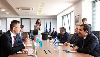 Szijjártó: Fel kell készülni az újabb migrációs hullámokra és az EU külső határainak határozott védelmére - illusztráció