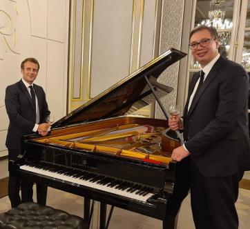 Vučić kulcsfontosságú témákról tárgyalt a francia elnökkel - A cikkhez tartozó kép