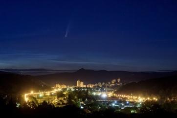 Július közepétől akár szabadszemmel is látható az üstökös, ami 5 ezer év után jár ismét erre - A cikkhez tartozó kép