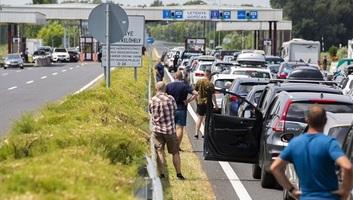 Torlódás van az M7-es autópályán a magyar-horvát szakaszon - illusztráció
