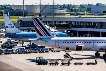 Koronavírus: A francia repülőtereken automatikusan és ingyen tesztelik a vörös jelzésű országokból érkezőket - A cikkhez tartozó kép