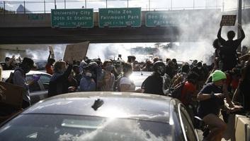 A philadelphiai tüntetők közös polgári peres eljárást indítottak a rendőrség ellen - illusztráció