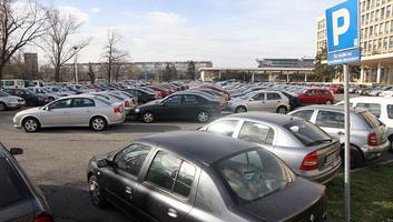 Elárverezik a szerb állam tulajdonában lévő kiselejtezett gépjárműveket - illusztráció