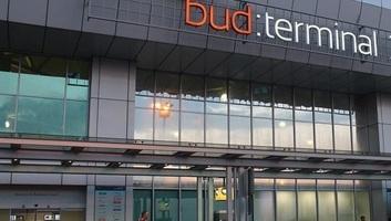 Budapest Airport: 94 százalékos az utasforgalom visszaesése tavaly júniushoz képest - illusztráció