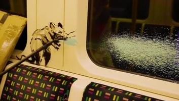 Banksy maszkviselésre buzdít a londoni metrón - illusztráció