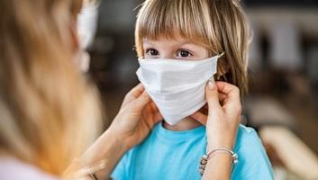 Egy 3 éves gyermeket is koronavírus-tünetekkel kezelnek Szabadkán - illusztráció
