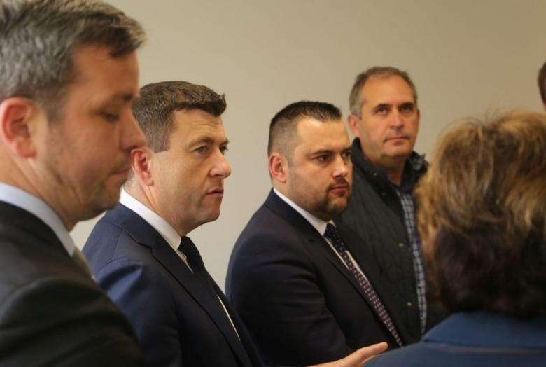Borboly Csaba és Barti Tihamér (mindkettő középen) közül kerül ki a tanácselnökjelölt