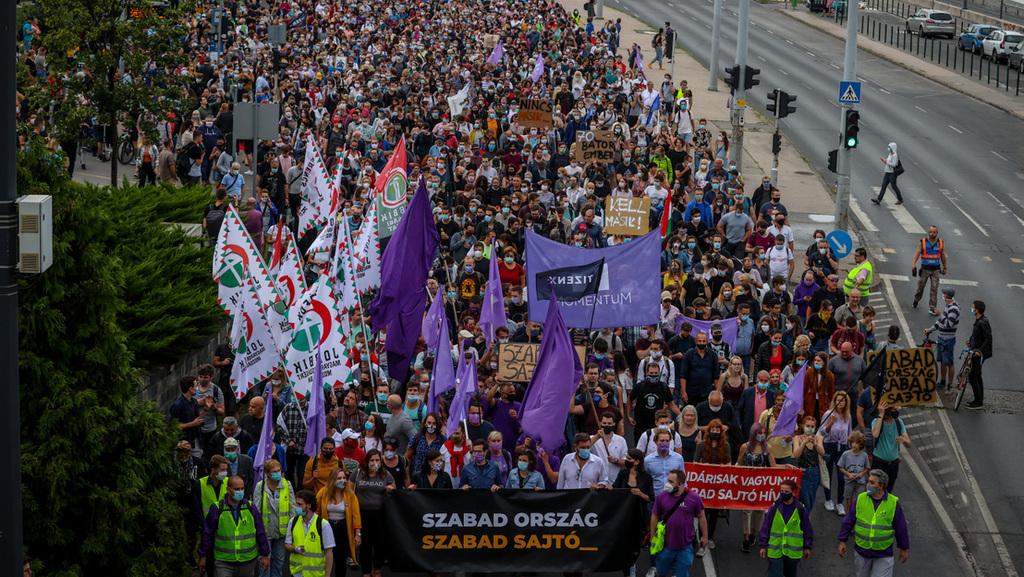 A Momentum vezeti a harcot, a Jobbik felel neki
