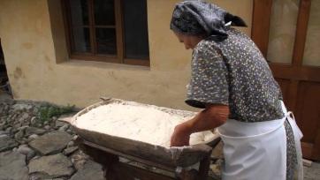 Mindennapi kenyerünk: Kiállítás a magyarkanizsai Dobó Tihamér Képtárban - A cikkhez tartozó kép