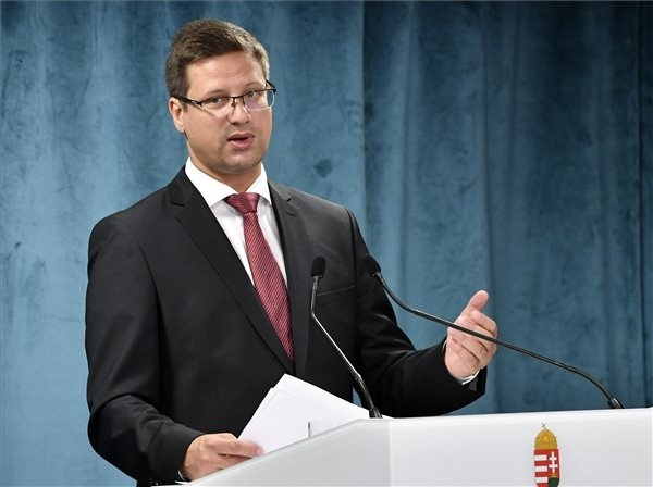 Gulyás Gergely, a Miniszterelnökséget vezető miniszter a Kormányinfó sajtótájékoztatón