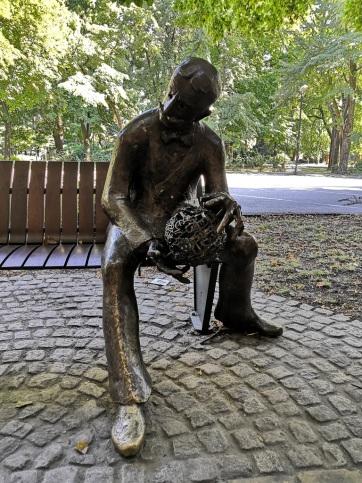 Zenta: Megrongálták Dudás Gyula szobrát - A cikkhez tartozó kép