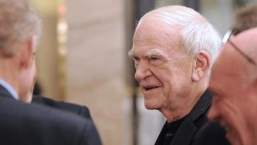 Milan Kundera a Morva Tartományi Könyvtárnak adományozza archívumát - A cikkhez tartozó kép