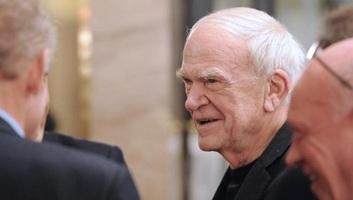 Milan Kundera a Morva Tartományi Könyvtárnak adományozza archívumát - illusztráció