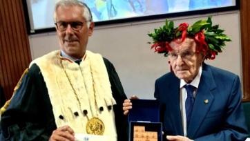 Öreg ember nem vén ember: 97 évesen szerzett diplomát egy olasz nyugdíjas - A cikkhez tartozó kép