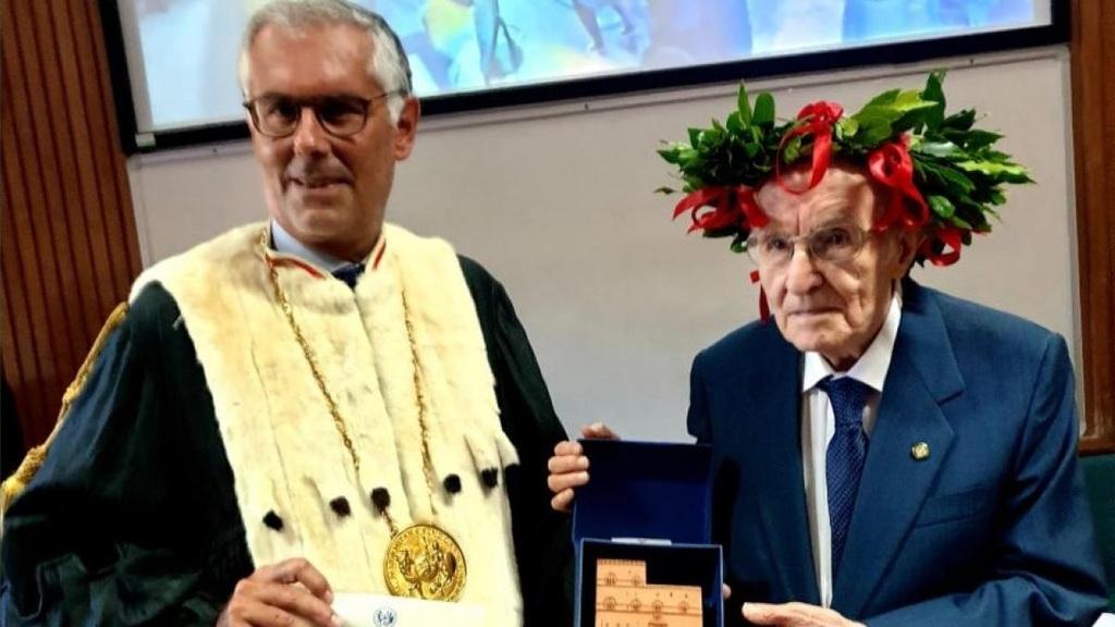 Giuseppe Paternò babérkoszorút is kapott a diploma mellé