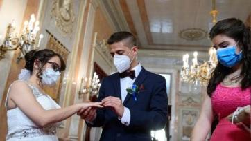 Tovább terjed a járvány: A legtöbb ország válasza a maszkviselés - A cikkhez tartozó kép