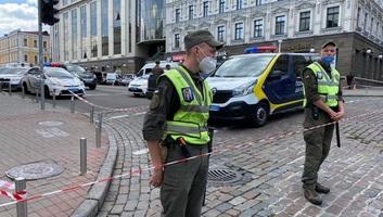 Újabb túszdráma Ukrajnában: Egy férfi robbanószerrel fenyegetőzött egy kijevi bankban - illusztráció