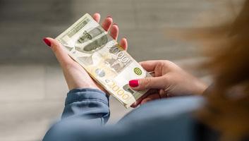 Holnap fizetik ki a minimálbér 60 százalékát több mint 235 ezer vállalatnak - illusztráció