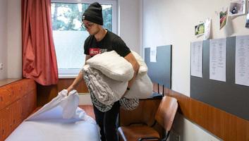 Szigorú feltételekkel költözhetnek csak be szobáikba Magyarországon a kollégisták - illusztráció