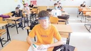 Szerbiában várhatóan csak az alsósok indulnak iskolába szeptemberben - illusztráció