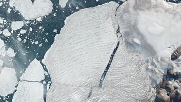 Látványos műholdfelvételeket tettek közzé Kanada utolsó érintetlen sarkvidéki selfjegének darabokra töréséről - illusztráció
