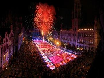 Hang- és fényjáték helyettesíti idén a hagyományos brüsszeli virágszőnyeget - A cikkhez tartozó kép