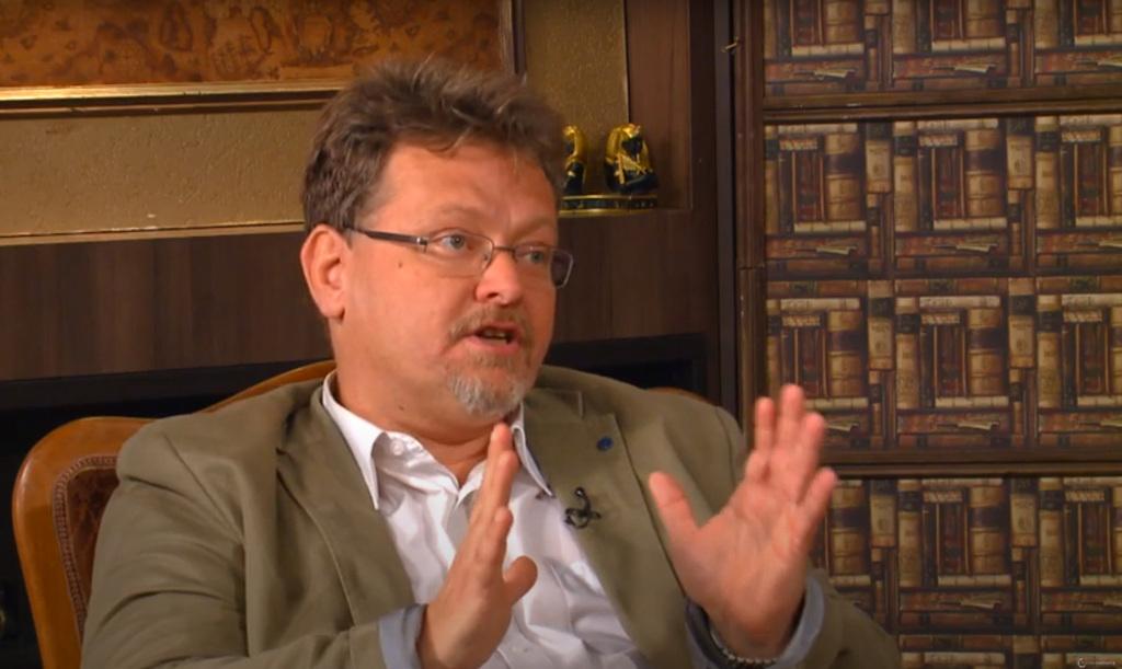 Dr. Sarnyai Csaba Máté
