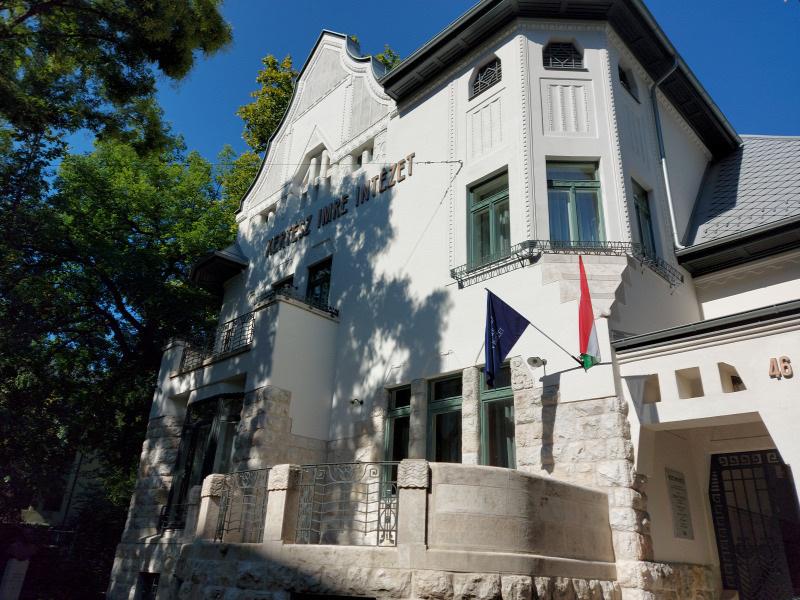 Obnovljena vila u ulici Bencur u Budimpešti