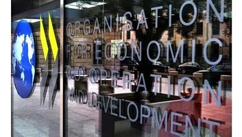 Az OECD az eddig vártnál kisebb idei globális GDP-csökkenéssel számol - illusztráció