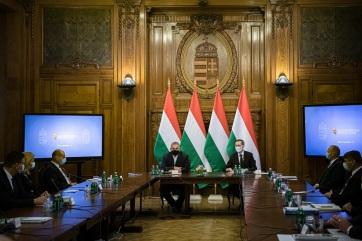 Hat hónappal meghosszabbítja a magyar kormány a hitelmoratóriumot - A cikkhez tartozó kép
