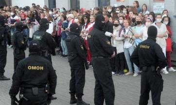 Nem csillapodnak a kedélyek: Ismét tízezrek tüntetnek Minszkben - A cikkhez tartozó kép