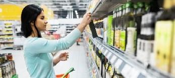 Emelkednek az árak, de az áruforgalom is: Leginkább a gyümölcsök, a hús és a dohány drágult meg - illusztráció