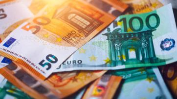 Félmilliárd euróval kevesebbet utaltak haza a vendégmunkások az idén - A cikkhez tartozó kép
