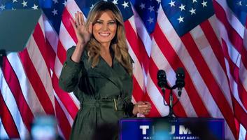 Kampányúton van a first lady is - illusztráció
