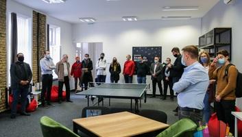 A szabadkai Politechnikai Iskola IT cégekkel karöltve szervezi meg a duális oktatást - illusztráció
