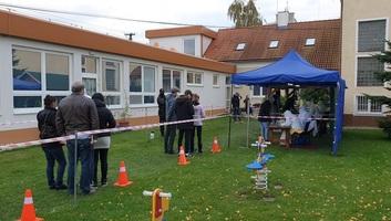 Tömeges koronavírus-tesztelés Szlovákiában: Megvannak az első eredmények - illusztráció