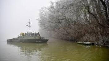 Két csoport is gumicsónakkal próbált meg illegálisan Magyarországra jutni a Tiszán - illusztráció