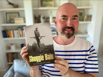 Első regényéért kapta az idei Booker-díjat Douglas Stuart - A cikkhez tartozó kép