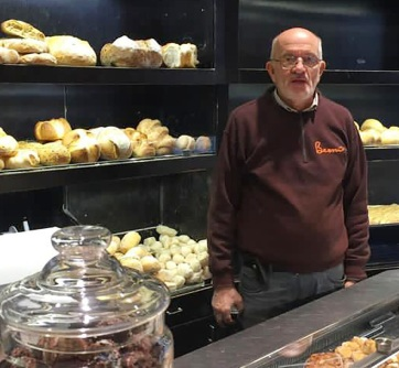 Belehalt a koronavírusba az olasz pék, aki a járvány kirobbanása óta ingyen sütött kenyeret a rászorulóknak - A cikkhez tartozó kép