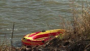 Ismét a Tiszán keresztül próbálkoztak a határsértők Szegednél - illusztráció