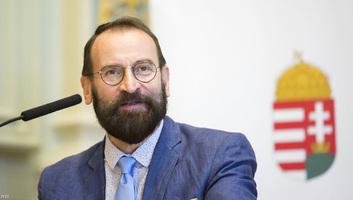 Lemondott EP-képviselői tisztségéről Szájer József - illusztráció
