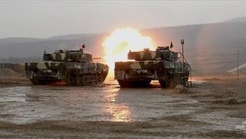 Megérkezett Tatára az utolsó két Leopard 2A4 harckocsi - illusztráció