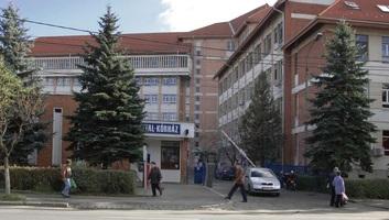 Korrupció gyanúja miatt őrizetben a székelyudvarhelyi kórház menedzsere és két munkatársa - illusztráció