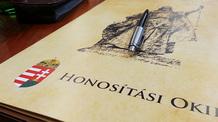 Áder János megszüntette nyolc személy magyar állampolgárságát - illusztráció
