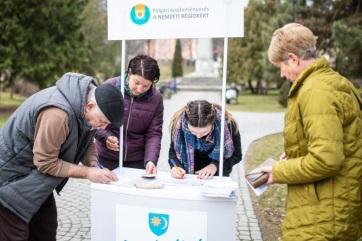 EB: Folytatódhat a nemzeti régiókért indított polgári kezdeményezés aláírásgyűjtése - A cikkhez tartozó kép